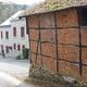 trail GPS : hike, De Wiesme à Revogne par les villages de Martouzin-Neuville : Gîte à Revogne